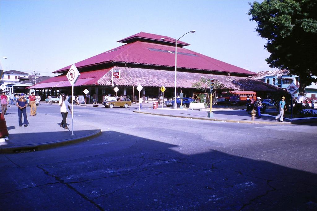 Colon-1976
