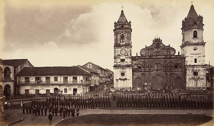casco-viejo-plaza-catedral-1875